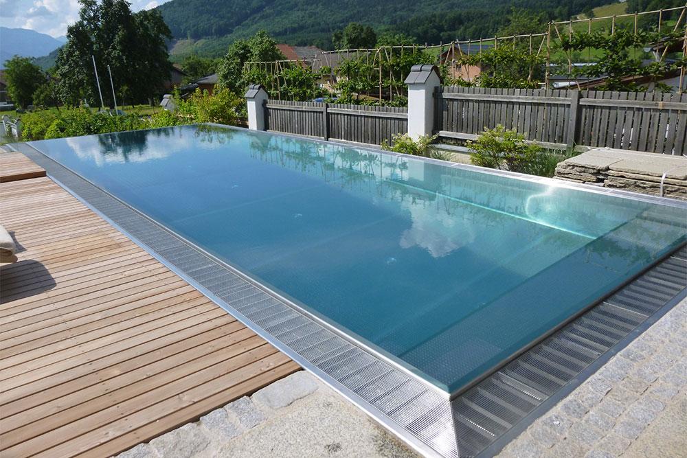 Poolbau Überlaufrinne