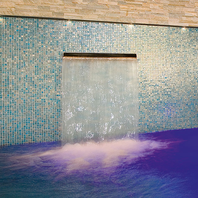 Schwimmbad Wasserfall für Hallenbad